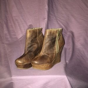 Brown wedge zipper boots